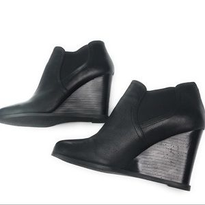 Audrey Brooke Leather Wedges Black Booties 8M